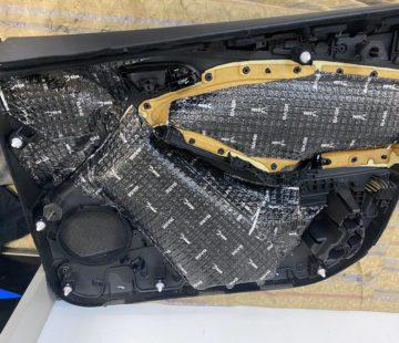 Шумоизоляция обшивок автомобиля