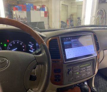 Android в Toyota Land Cruiser 100